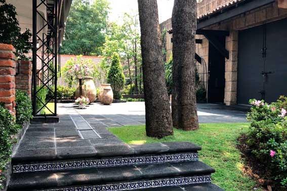 Banquetes Escoffier venue Jardín Tekal vista general de entrada