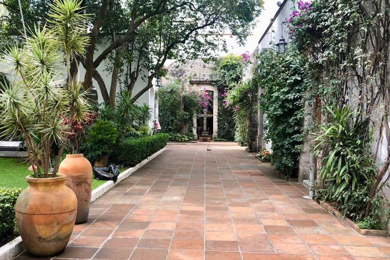 Jardines y salones para eventos Escoffier corredor Hacienda San Fernando
