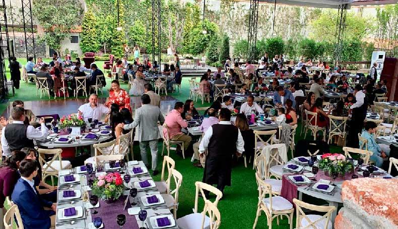 Banquete para eventos Escoffier vista general de evento realizado en Jardín Tekal Ajusco cdmx